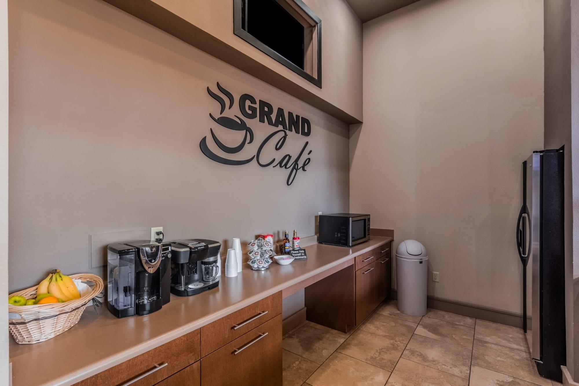 Community Area Grand Coffee Café & Kitchen
